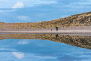 Wandelaars door Nico van Kappel